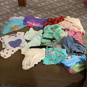 tons of little girl 4T clothes!